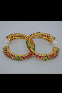 Picture of Wonderful pink & green colored bangles