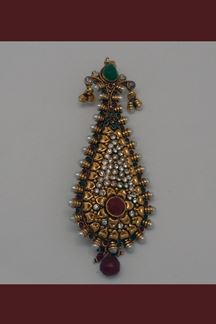 Picture of Mesmerizing hair brooch in dual color