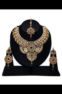 Picture of Stunning designer golden polish necklace set