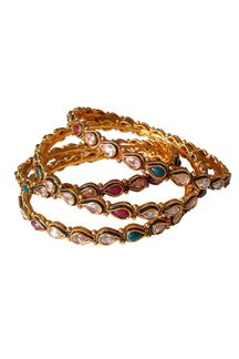 Picture of Maroon & green color delicate look giving bangles