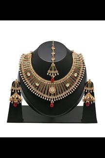 Picture of Sizzling maroon & green color necklace set