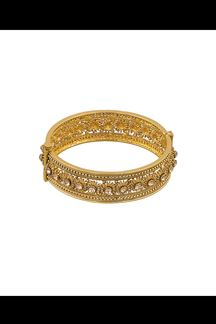 Picture of Gold plated patterned designer bracelet