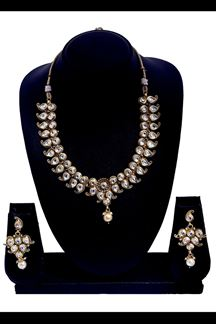 Picture of Maroon & cream designer necklace set