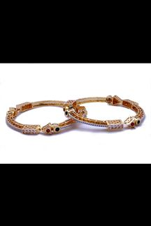 Picture of Red & green stone worked bangle