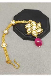 Picture of Arresting pink bead worked maang tikka
