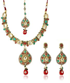 Picture of Look gorgeous with this red & green necklace set