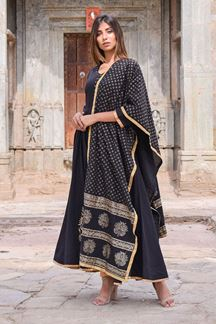 Picture of Classy black designer suit with dupatta