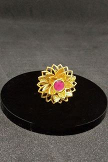 Picture of Flower motif gold plated pink finger ring