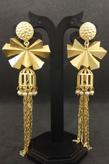 Picture of Modish gold plated designer earrings