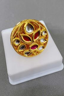 Picture of Classic red stone worked finger ring