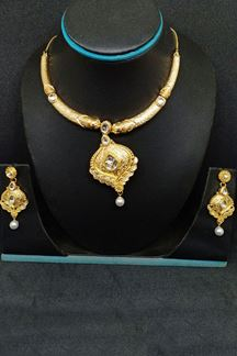 Picture of Fetching gold plated designer necklace set