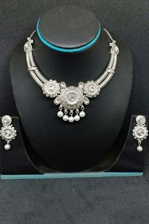 Picture of Signature silver color designer necklace set