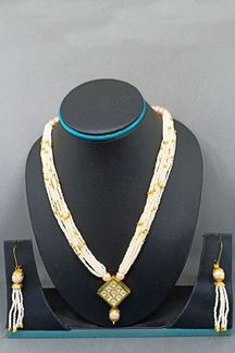 Picture of White & green detailed designer necklace set