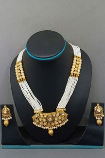 Picture of White artificial pearl worked necklace set