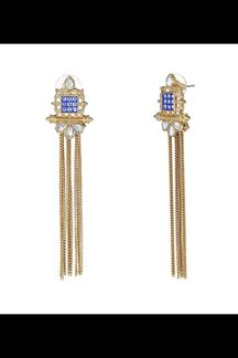 Picture of Creatively designed blue & white earring