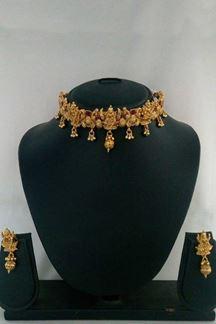 Picture of Gold plated Wedding party wear stylish Traditional choker necklace set
