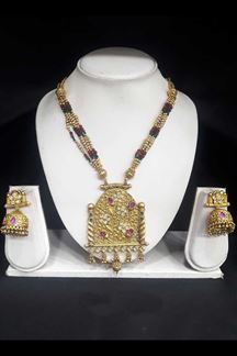 Picture of Resplendent Gold Plated Pendant Set with Pink and Green Stone