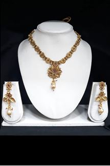 Picture of Flower design of Gold Plated Pendant Set with Meenakari Work