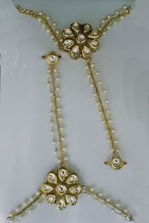 Picture of Etnico Traditional Gold Plated Kundan Pair of Hath Panja