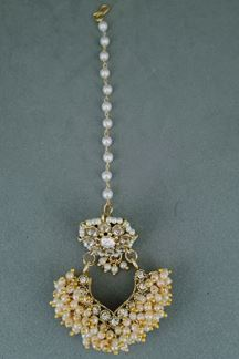 Picture of Kundan  Borla Tikka With Pearls Work