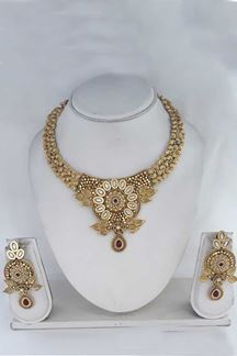 Picture of Antique Golden Shine Maroon Necklace Set With Meenakri Work