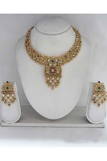 Picture of Gorgeous Bridal Necklace Set In Golden Color