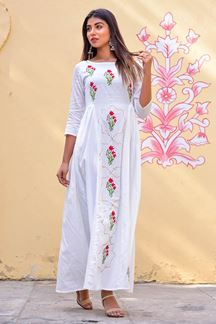 Picture of White Jaam Silk Floor Length Kurti