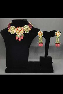 Picture of New Designer Choker Necklace Set In a Rajput Style With Multicolor