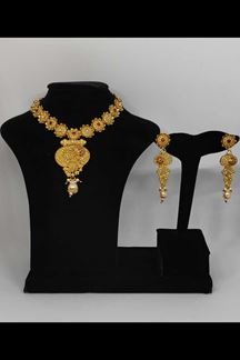 Picture of Gold Finish Floral Designer Necklace Set With Pink Stones