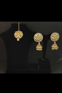 Picture of Artifical Kundan Stone Circular Design Earring With Maang Tikka