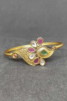 Picture of Elegant Peacock design Golden Meenkari Vilandi Kundan bracelet