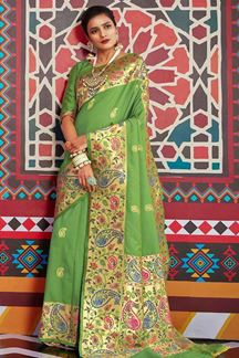 Picture of Green Designer Classic Wear Pure Silk Saree
