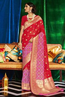 Picture of Stunning Red Designer Classic Wear Silk Saree