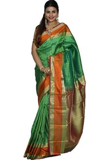 Picture of Flamboyant Green & Magenta Colored Kanjivaram Silk Saree