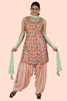 Picture of Elegant Peach Color Georgette Patiala Suit