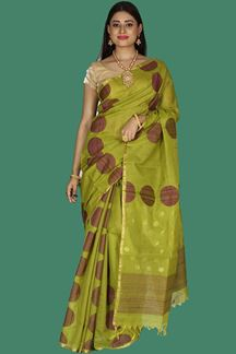 Picture of Arresting Mehendi Green Colored Gadwal Silk Saree