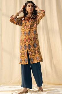 Picture of Shahmina Yellow Kurti Set Designed In Pashmina