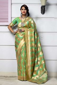 Picture of Green Colored Latest Designer Party Wear Maharani Silk Saree