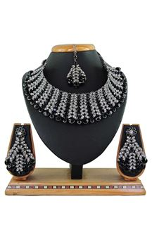 Picture of Imitation Black Colored Jewellery-Necklace Set