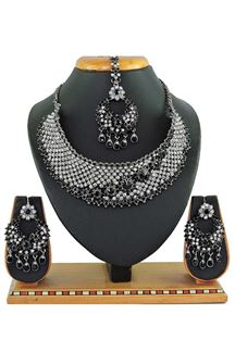Picture of Imitation Jewellery Black Colored Necklace Set