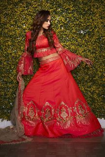 Picture of Graceful Red Colored Silk Lehnega Choli