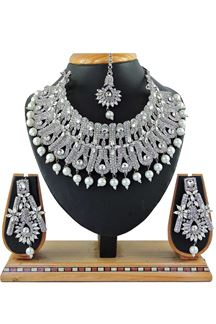 Picture of Beautiful White Colored Pearl Imitation Necklace Set