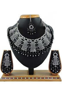 Picture of Decent Black Colored Pearl Imitation Necklace Set