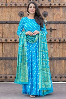 Picture of Tie & Dye Blue Colored Kurti With Dupatta