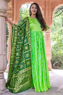 Picture of Tie & Dye Green Colored Kurti With Dupatta