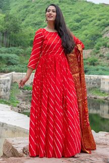 Picture of Tie & Dye Red Colored Kurti With Dupatta