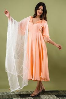 Picture of Peach Colored Russian Silk Partywear kurti with Dupatta